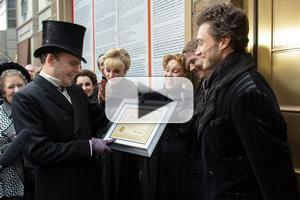 BWW TV: Jefferson Mays Receives Honorary Death Certificate for 1000th Stage Death In A GENTLEMAN'S GUIDE TO LOVE AND MURDER