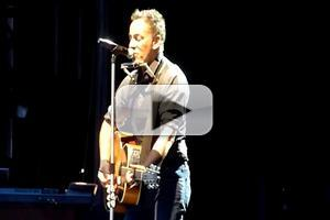 VIDEO: Bruce Springsteen Opens Auckland Concert w/ Cover of Lorde's 'Royals'