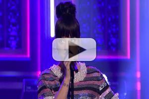 VIDEO: Lily Allen Performs 'Hard Out Here' on JIMMY FALLON