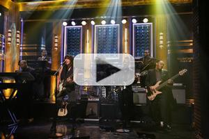 VIDEO: Chrissie Hynde Performs New Single 'Dark Sunglasses' on TONIGHT SHOW