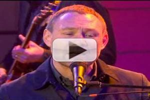 VIDEO: David Gray Performs 'Back in the World' on TODAY
