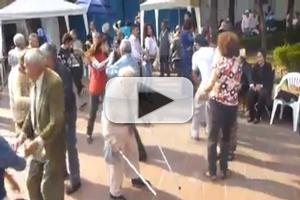 STAGE TUBE: Grandpa Throws Away Canes and Gets Down at a Wedding