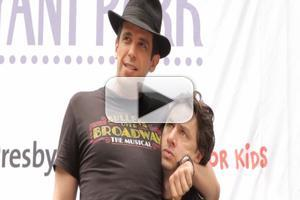 BWW TV: Zach Braff, Nick Cordero & BULLETS OVER BROADWAY Cast Shuffles Over to Bryant Park!