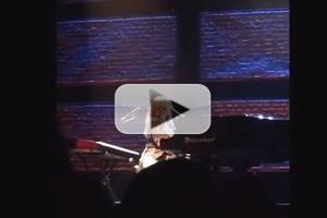 STAGE TUBE: Tori Amos Sings HEDWIG in Concert