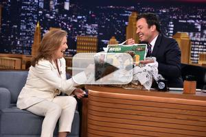 VIDEO: Meredith Vieira Gives Tour of New Talk Show Studio on TONIGHT