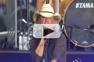 VIDEO: Kenny Chesney Kicks Off TODAY's Fall Concerts with Music from Upcoming Album; Neil Diamond Set for 10/20