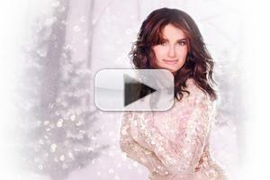 STAGE TUBE: Watch Live Here! Tony Winner Idina Menzel Performs at Bloomingdale's Window Unveiling