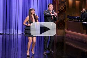 VIDEO: Rashida Jones & Jimmy Fallon Sing Holiday Parodies of 'Let It Go' & More on TONIGHT