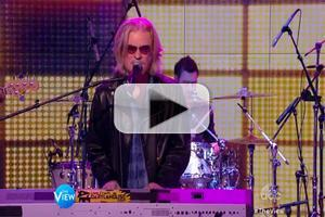 VIDEO: Hall & Oates Perform 'Rich Girl' & More on THE VIEW