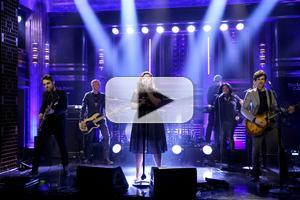VIDEO: Kelly Clarkson Performs 'Heartbeat Song' on TONIGHT SHOW