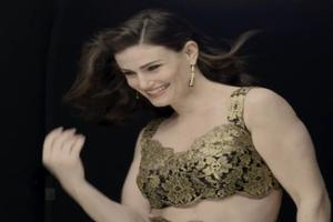 VIDEO: Inside Idina Menzel's Cover Shoot for Billboard Magazine