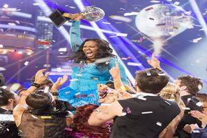 VIDEO: Amber Riley Snags the Mirror Ball Trophy on DANCING WITH THE STARS!