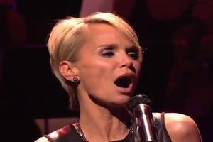 VIDEO: Kristin Chenoweth Sings Touching Farewell Tribute to JAY LENO