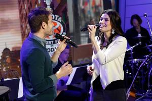 BONUS VIDEO: Idina Menzel, James Snyder Perform 'Here I Go' from IF/THEN