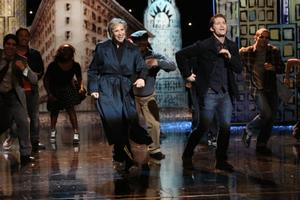 VIDEO: Jane Lynch, Matthew Morrison Perform 'NYC' on GLEE