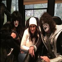 Twitter Watch: Idina Menzel Poses with KISS!