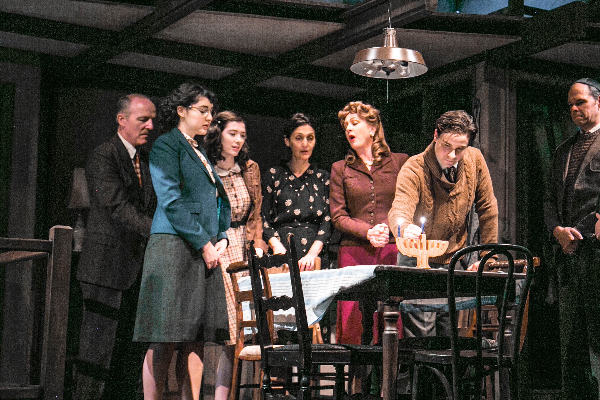 Bww review the diary of anne frank at stnj is theatrical for Franks theater york pa