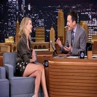 VIDEO: Rosie Huntington-Whiteley Talks 'Mad Max' & More on TONIGHT