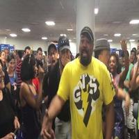 VIDEO: Flight-Delayed Broadway Casts of ALADDIN & LION KING Have Airport Sing-Off!