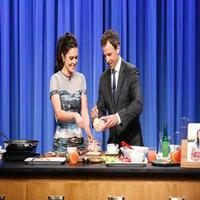 VIDEO: Katie Lee & Seth Meyers Make Lobster Reubens & More