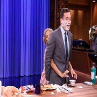 VIDEO: As His Finger Injury Heals, Jimmy Fallon Borrows Amy Sedaris' Hands!