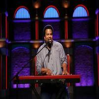 VIDEO: Craig Robinson Performs 'Chocolate Muffins' on LATE NIGHT