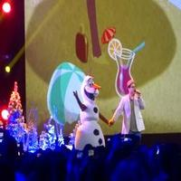VIDEO: Josh Gad Makes Surprise Appearance; Performs at D23 Expo!