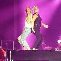 VIDEO: Amy Schumer, Jennifer Lawrence Dance on Billy Joel's Piano at Wrigley Field Concert