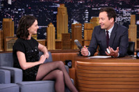 VIDEO: Anne Hathaway Admits She Was Scared of Robert DeNiro on THE INTERN Set