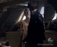VIDEO: Sneak Peak - Hook & Emma Relive Old Times on Next ONCE UPON A TIME