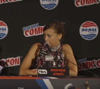 VIDEO: Rashida Jones Talks New TBS Series ANGIE TRIBECA at NY Comic Con
