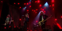 VIDEO: Wolf Alice Perform 'Bros' on LATE LATE SHOW