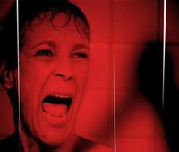 VIDEO: Sneak Peek - Dean Munsch Goes 'Psycho' on Tonight's SCREAM QUEENS