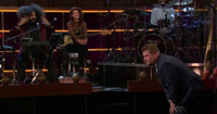 VIDEO: Joseph Gordon-Levitt Plants a Kiss on James Corden on LATE LATE SHOW