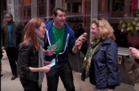 VIDEO: Sneak Peek - Julianne Moore Ambushes Tourists on Next BILLY ON THE STREET