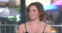 VIDEO: CRAZY EX-GIRLFRIEND's Rachel Bloom Shares  'Actors Perform for the Attention'