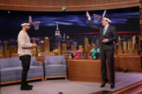 VIDEO: Drake Plays 'Faceketball'; Talks New Album 'View' on TONIGHT SHOW