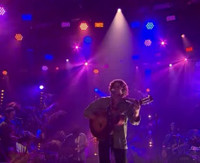 VIDEO: Lewis Del Mar Performs 'Loud(y)' on LATE LATE SHOW
