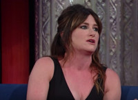 VIDEO: Kathryn Hahn Talks New Film 'Bad Moms' on LATE SHOW
