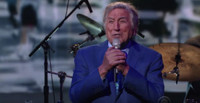 VIDEO: Tony Bennett Performs 'This Is All I Ask'; Receives Surprise Visit on LATE SHOW