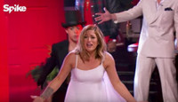 VIDEO: Sneak Peek - 'The Voice's Cassadee Pope Competes on LIP SYNC BATTLE: Country Holidays
