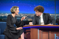 VIDEO: Sarah Paulson Admits She Once Sniffed The Back Of Cher's Head