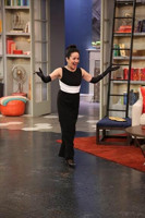 VIDEO: Lin-Manuel Miranda Helps Mom Find Oscar Dress on RACHAEL RAY!