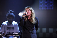 VIDEO: Kate Tempest Performs 'Europe Is Lost' on TONIGHT SHOW