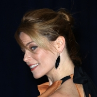 'Pitch Perfect's Elizabeth Banks to Make Hosting Debut on NBC's SNL