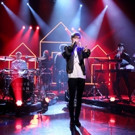 VIDEO: Troye Sivan Makes TV Debut Performing 'Youth' on TONIGHT