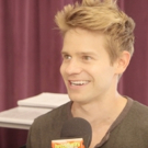 BWW TV: Back to the Banner- Andrew Keenan-Bolger Is Warming Up His Vocal Chords for New NEWSIES Song!