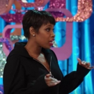 VIDEO: Jennifer Hudson Gives 'The Voice' Contestants Tour of HAIRSPRAY LIVE! Set