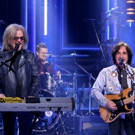 VIDEO: Daryl Hall & John Oates Perform 'I Can't Go For That' on TONIGHT SHOW