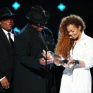Janet Jackson's 'Unbreakable' Tops Billboard 200 Chart on First Week of Release